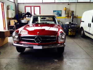 Mercedes-Pagoda-SL-250-red